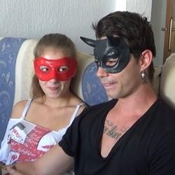 Lucrecia y Alvaro,el experimento de grabar la primera porno en tu propia cama.