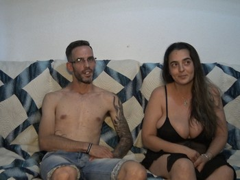 Marta y Pau decididos a grabar porno. Carí llama a Teleporno!